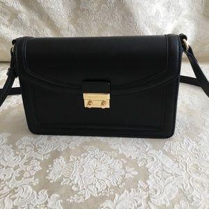 Vera Bradley Tess Crossbody in Black leather